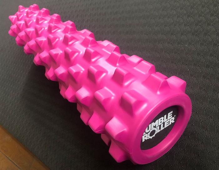 ピンクのイボイボローラー